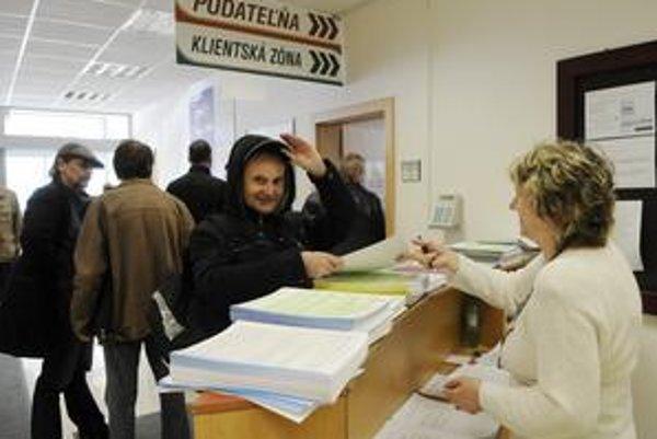 O návrate k starému informačnému systému sa rozhodlo v posledný deň podávania daňových priznaní.
