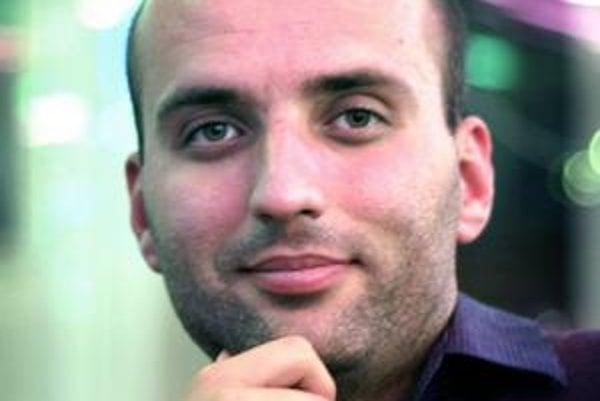 Michal Horváth (32) pôsobí ako výskumník na Oxfordskej univerzite. Študoval finančný manažment na Fakulte managementu UK, ekonómiu verejného sektora na University of York a má doktorát z ekonómie z University of St Andrews. V rokoch 2003 a 2004 bol po