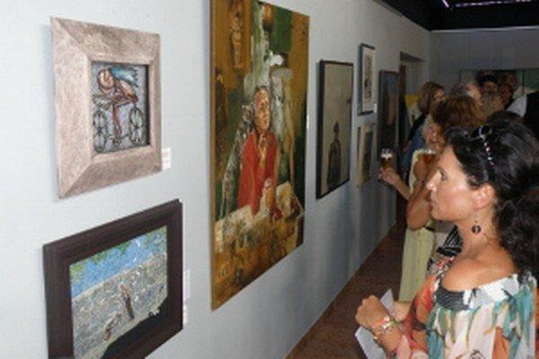 Diela venované Bohumilovi Hrabalovi sú vystavené v Art galérii v Prievidzi.