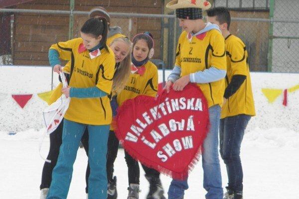 Valentín. Školáci si program užijú v piatok na ľade.