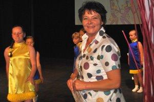 Katarína Kulomberová. Jej záľubou je vychovávať mažoretky.