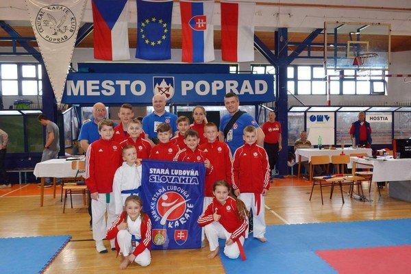 Desať medailí. ŠKM KK Stará Ľubovňa.