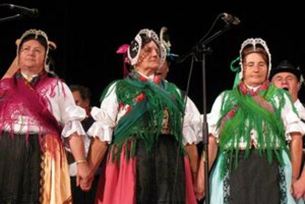 Folklórna súťaž. Tradície pestujú najmä v niektorých obciach.