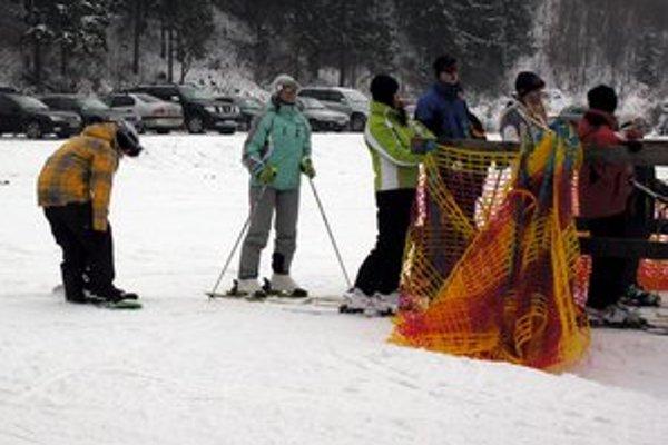 Vyšné Ružbachy. Turisti si tu užívali aj lyžovačku.