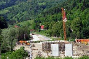 Stavba. Práce v Mníšku nad Popradom môžu bežať naplno.