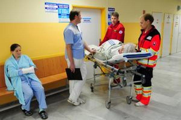 Na ambulanciách pribudne 1. apríla oznam o štrajkovej pohotovosti.
