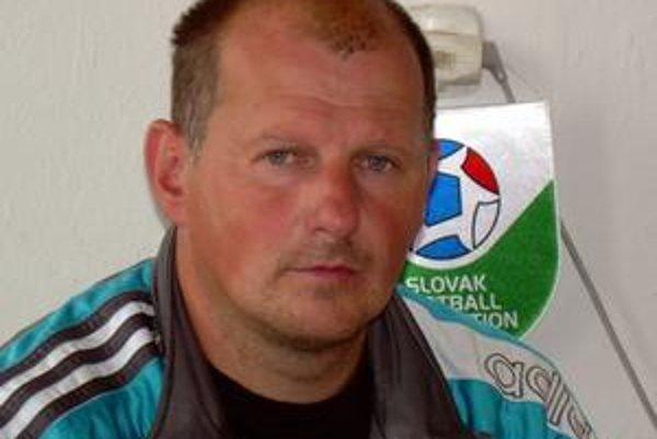 """Tréner MFK """"C"""" Karol Kačmarčík verí v postup z okresnej súťaže."""