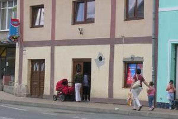 V Podolínci je oveľa viac automatov ako napríklad v Starej Ľubovni či v Spišskej Belej. Chodia sem hrať dokonca i mamičky s bábätkami v kočíkoch.