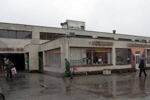 Družba, najväčšie obchodné stredisko na Západe.