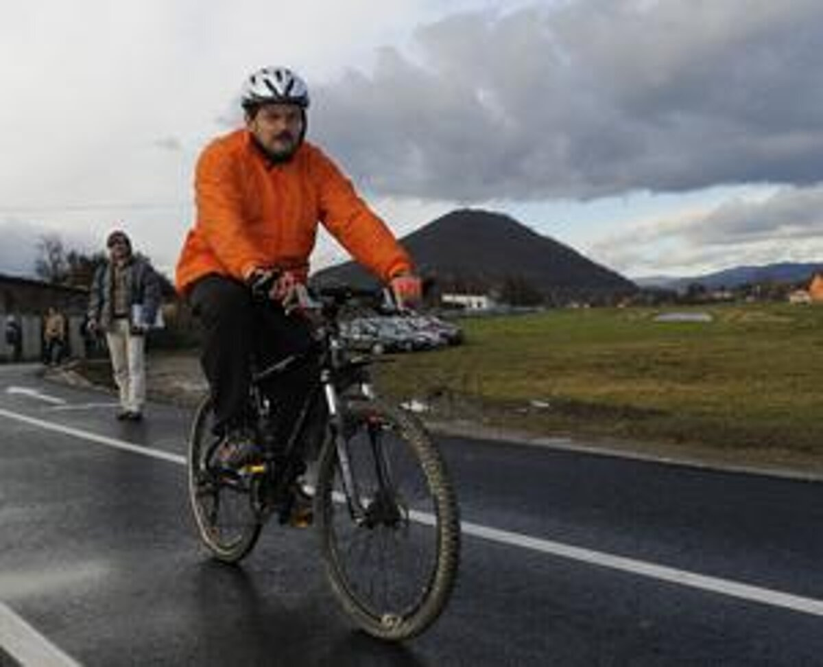 b3bb84c0e Polícia si posvieti najmä na cyklistov - spis.korzar.sme.sk