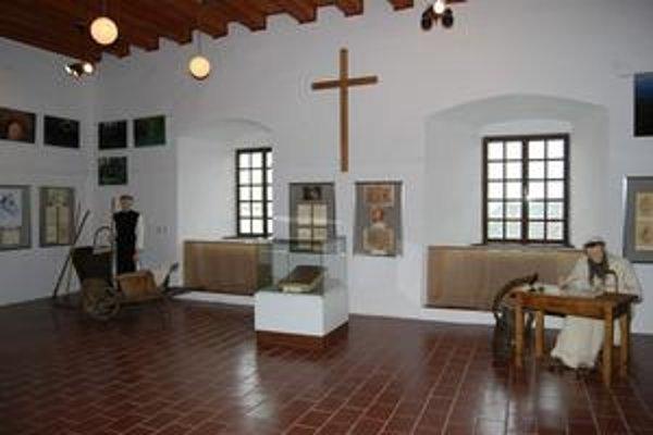 Zaujímavá výstava predstavuje každodenný život v kláštoroch.