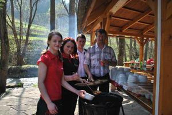 Maškrty. Navštíviť Lesnicu znamená, že nikdy neodídete hladní, ale veľmi dobre si pochutíte.