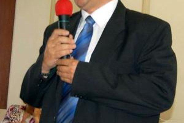 Ján Džugan prednedávnom začal riadiť spoločnosť Slobyterm. Do Starej Ľubovne dochádza na týždňovky.