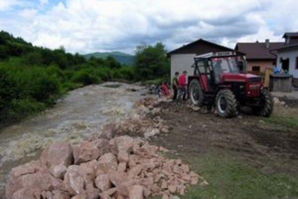 Opatrenia pred záplavami. Program má zabraňovať aj vzniku povodní z lesa.