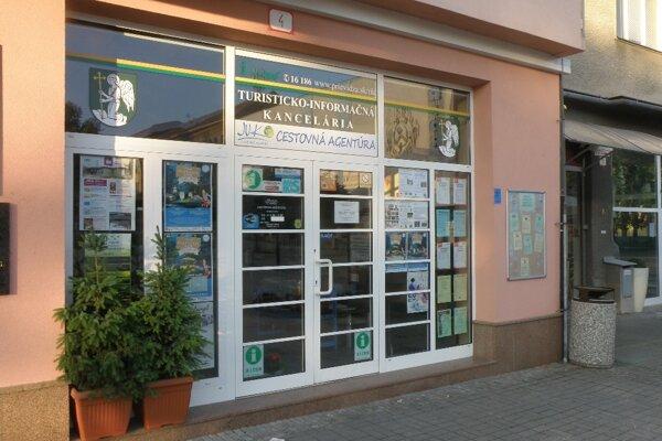 Turisticko-informačná kancelária v centre Prievidze.