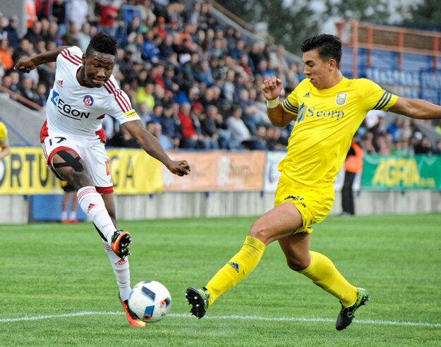 Samuel Kalu Ojim (vľavo) ukazuje veľký talent.