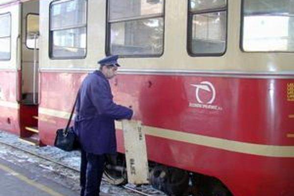 Výluka železničnej dopravy v úseku Senica - Šajdíkove Humence.