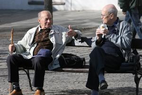 Na jedného penzistu dnes pracujú zhruba dvaja zamestnanci.