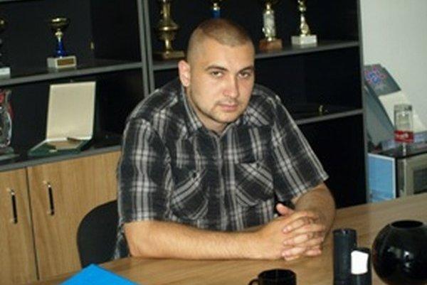 Nový riaditeľ MšHK Damián Svitok sa zadĺžený klub pokúsi postaviť naspäť na nohy.