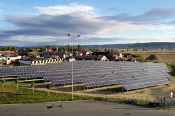Proti zlacneniu elektriny zo slnka nie sú len investori, ale aj ministerstvá a právnici.