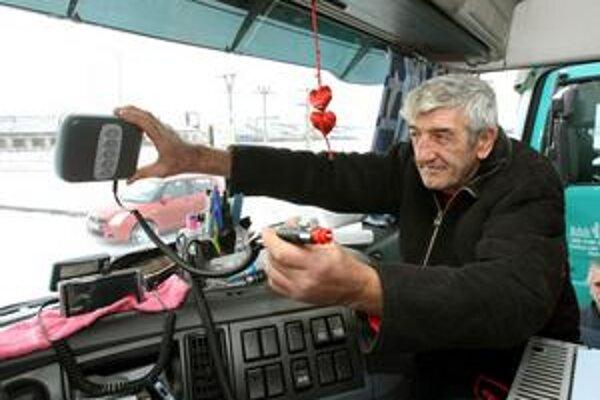 Minister dopravy zisťoval názor eurokomisie na ticketing. Podľa nej by sa u nás mali používať palubné jednotky.
