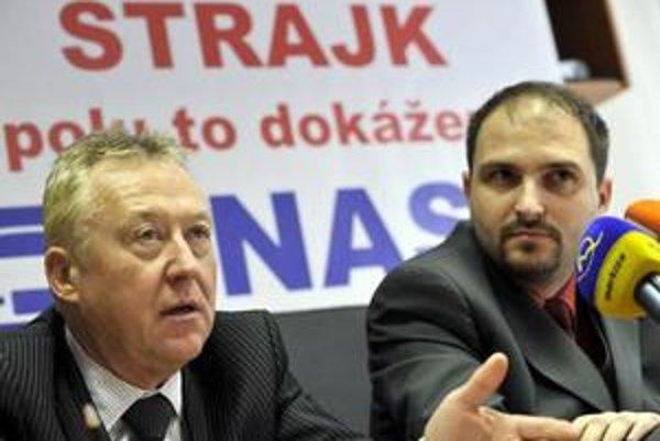 Členovia organizačného výboru UNAS Rudolf Páleš (vľavo) a Jaroslav Polaček.