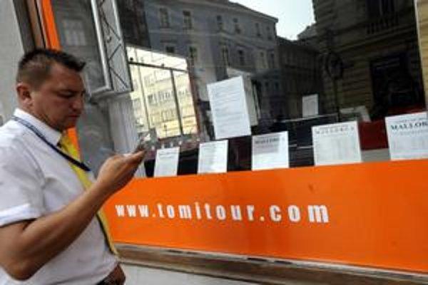 Poisťovňa Union vraj nevedela o zlej finančnej situácii Tomi Touru. Teraz ju zamestnávajú klienti skrachovanej cestovky, ktorí sú ešte v zahraničí.
