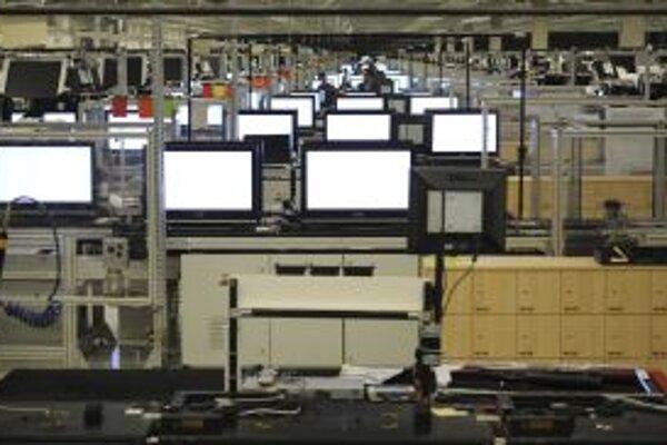 Výrobný závod Sony pri Nitre. Výroba LCD spolu s automobilovým priemyslom patrí stále k ťahúňom našej ekonomiky.