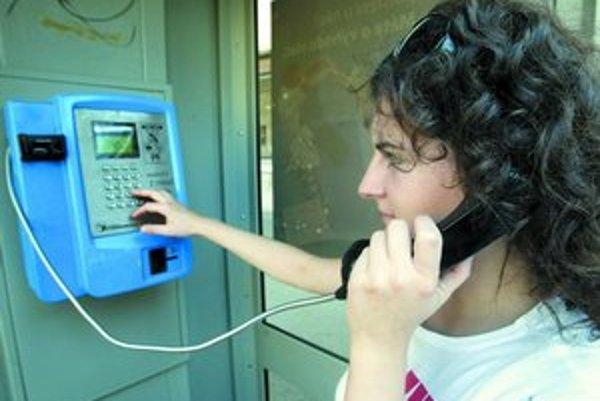 Telekomunikačná spoločnosť TPSA, najväčší prevádzkovateľ pevnej siete v Poľsku rozhodol, že v rámci štvorročného reštrukturalizačného plánu ušetrí miliardu zlotých (asi 9,2 miliardy korún).