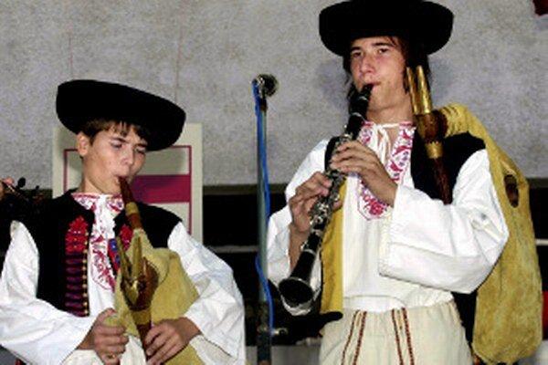Prehliadka detských ľudových hudieb, speváckych skupín a spevákov bude 29. 3. o 12. h v RKC v Prievidzi.