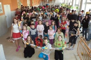 Týždeň priateľstva pripravili deti a učitelia v škole v Diviakoch nad Nitricou.