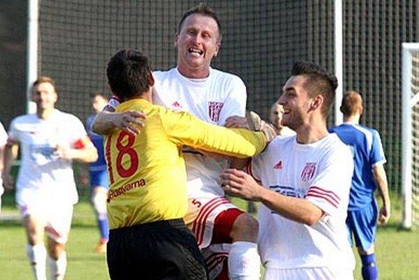 Hráči Hornej Kráľovej sa tešili z rýchleho gólu už v 2. minúte.
