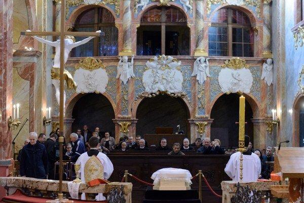 Rozlúčka so zosnulým nitrianskym emeritným biskupom, kardinálom Jánom Chryzostomom Korcom v Nitre.