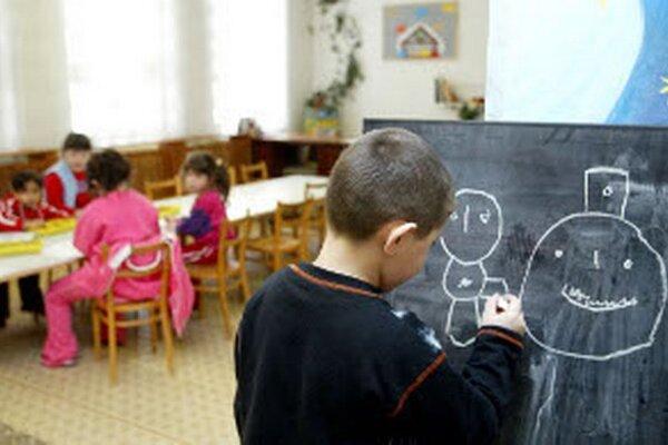Škôlka v Handlovej je naplnená na viac ako sto percent.