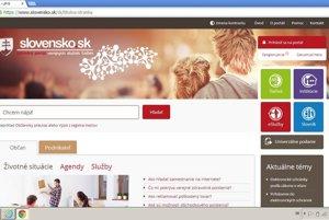 """Prihlasovanie do dátovej schránky prebieha cez web Slovensko.sk, ale nie z titulnej strany. Prihlasovacia zóna v pravom hornom rohu zatiaľ slúži na prihlásenie do starých schránok, ktoré momentálne dobrovoľne používa asi 38-tisíc ľudí. Prihlásenie prebieha cez odkaz """"Prihlásenie do elektronických schránok"""" v pravom stĺpci s aktualitami alebo si rovno môžete do prehliadača napísať adresu schranka1.slovensko.sk."""