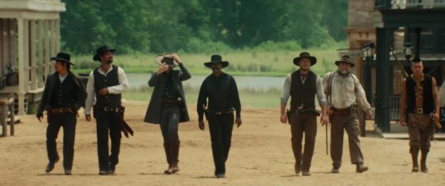Medzi novými siedmimi hrdinami je černoch, Mexičan, Kórejčan aj Indián.
