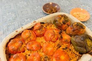 Gemista – plnené paradajky a papriky s ryžou<br><br>