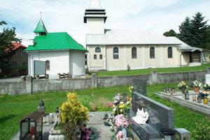 Obec chce rozšíriť cintorín smerom ku kostolu.