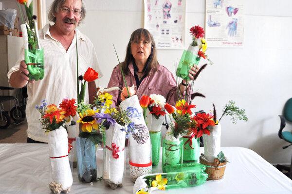 Robert aAnneke Kruijt so svojimi výtvormi.