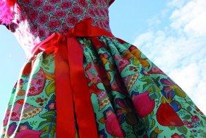 Šaty z dizajnérskych 100% bavlnených látok