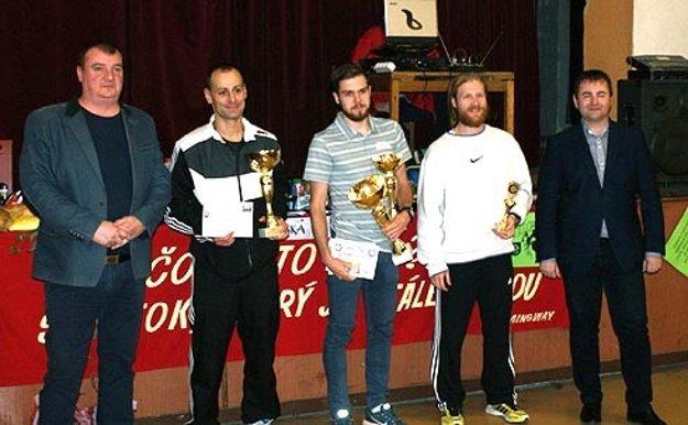 Ocenenie troch najlepších mužov na 15 km.
