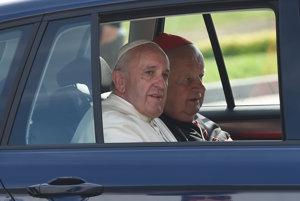 Pápež František s krakovským arcibiskupom Stanislawom Dziwiszom.