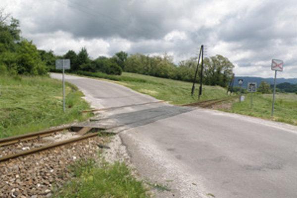 Oprava tohto priecestia uzatvorí príjazdovú cestu do Malej Čausy.