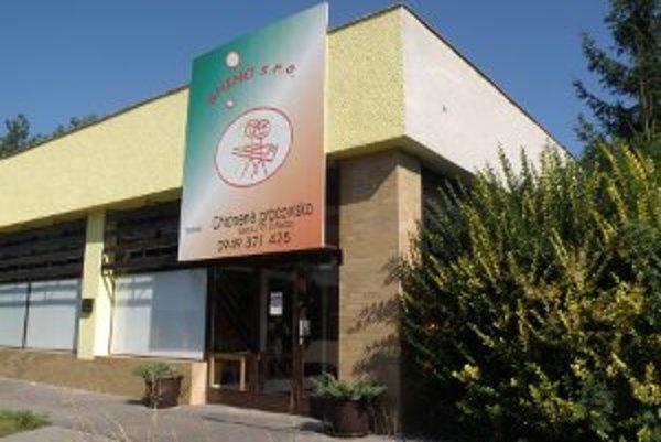 Chránenú dielňu v Prievidzi zatvorila firma Shino vlani v októbri.