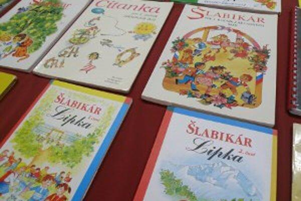 Výstava šlabikárov je v RKC Prievidza prístupná do 21. 3.