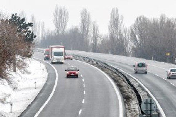Nová cesta medzi Trenčínom a Prievidzou už nie je medzi prioritami vlády.