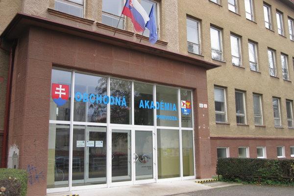 Obchodná akadémia v Prievidzi.