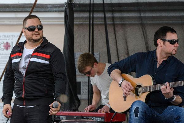 Skupina Desmod vystúpi 8. decembra v Prievidzi.