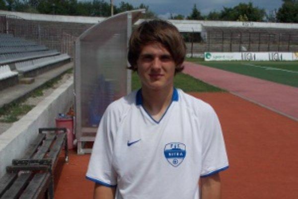 Ľuboš začal s futbalom ako desaťročný.