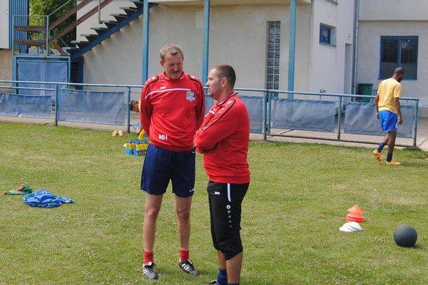 Jozef Majoroš (vpravo). Od mládeže sa presunul k seniorskému futbalu.